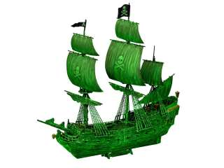 Revell Ghost Ship - easy-click system in 1:150 bouwpakket incl night color