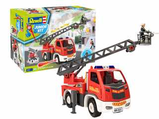 Revell Junior Kit Fire brigade ladder wagon with figure in 1:20 bouwpakket