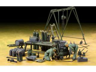 Tamiya German Field Maintenance Team & Equipment Set Bouwpakket 1:35